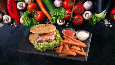 Leckerer Burger von Aladdin Restaurant Schwentinental